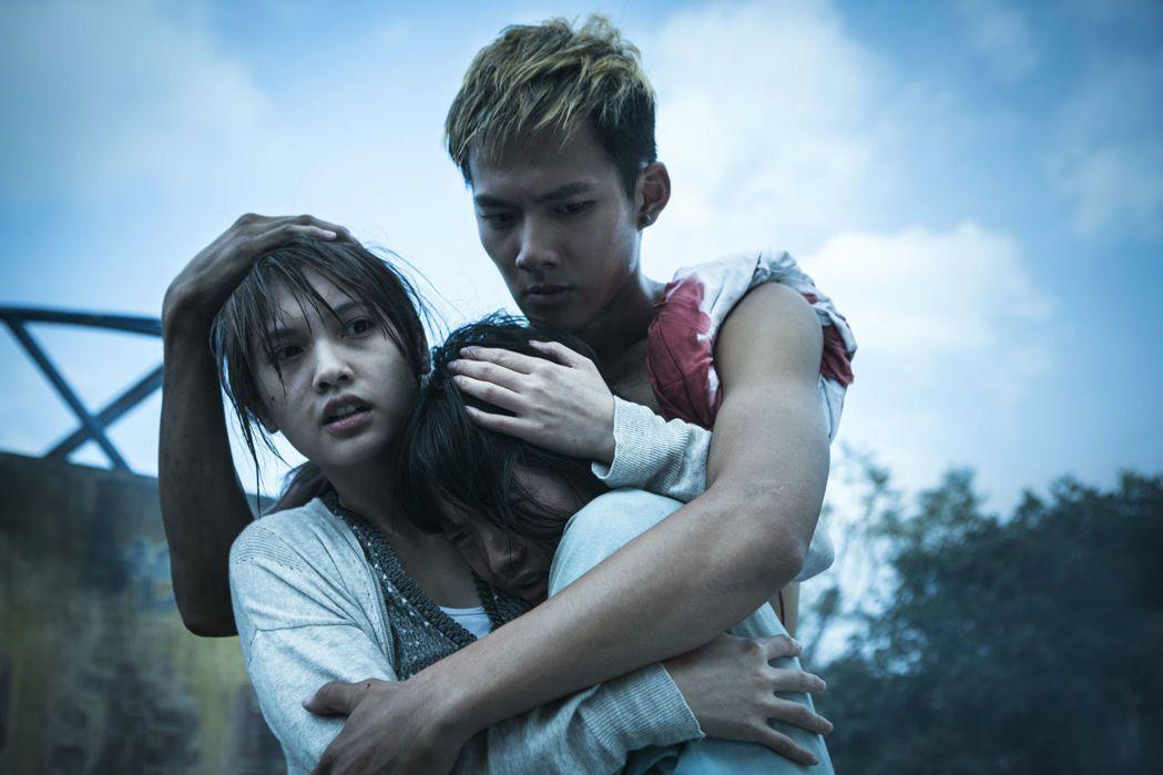 「紅衣小女孩2」以台灣古老民俗做為主題,是恐怖片影迷的鬼月首選之一。 圖/威視提...