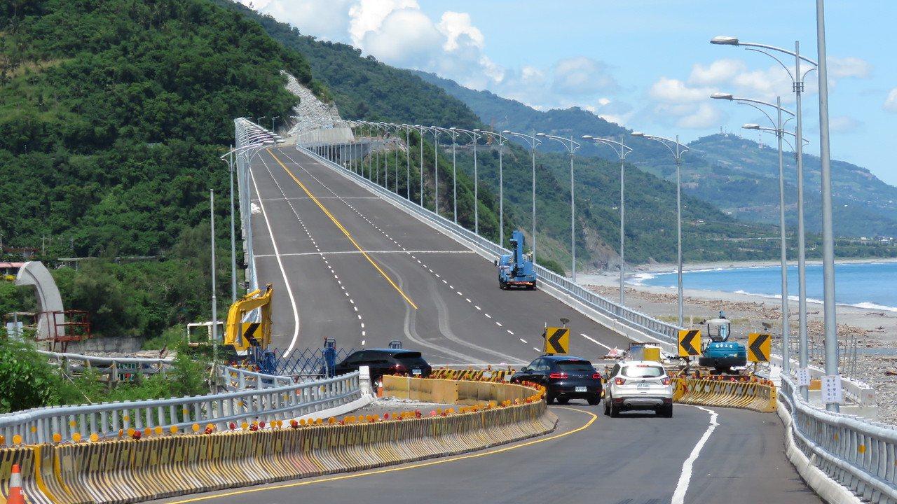 金崙高架橋即將在9月底、10月初通車,台東民眾都十分期待。記者潘俊偉/攝影