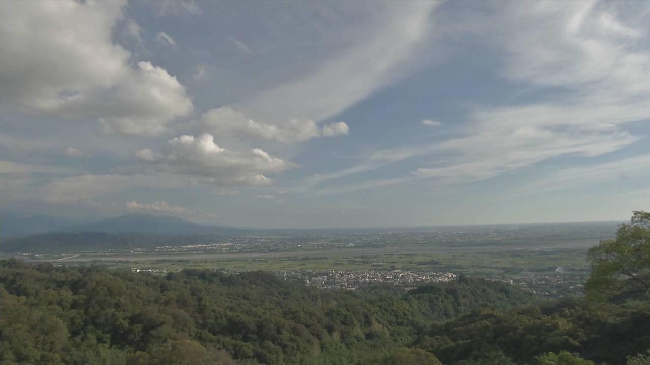 從松柏嶺受天宮,可以眺望彰化平原。記者張家樂/攝影