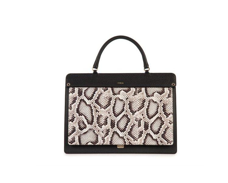 代表三○年代的LIKE蛇紋皮革手提包,32,800元。圖/Furla提供