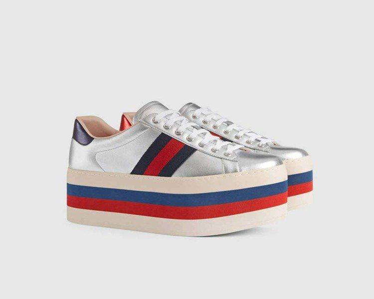 不分男女款的銀色厚底鞋,32,900元。圖/Gucci提供