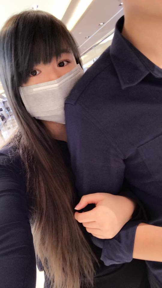 小小瑜之前在臉書貼出與男友不露臉的合照。 圖/擷自小小瑜臉書