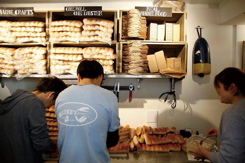 麵包為每日早上現切,準備妥當迎接一整天的客人。