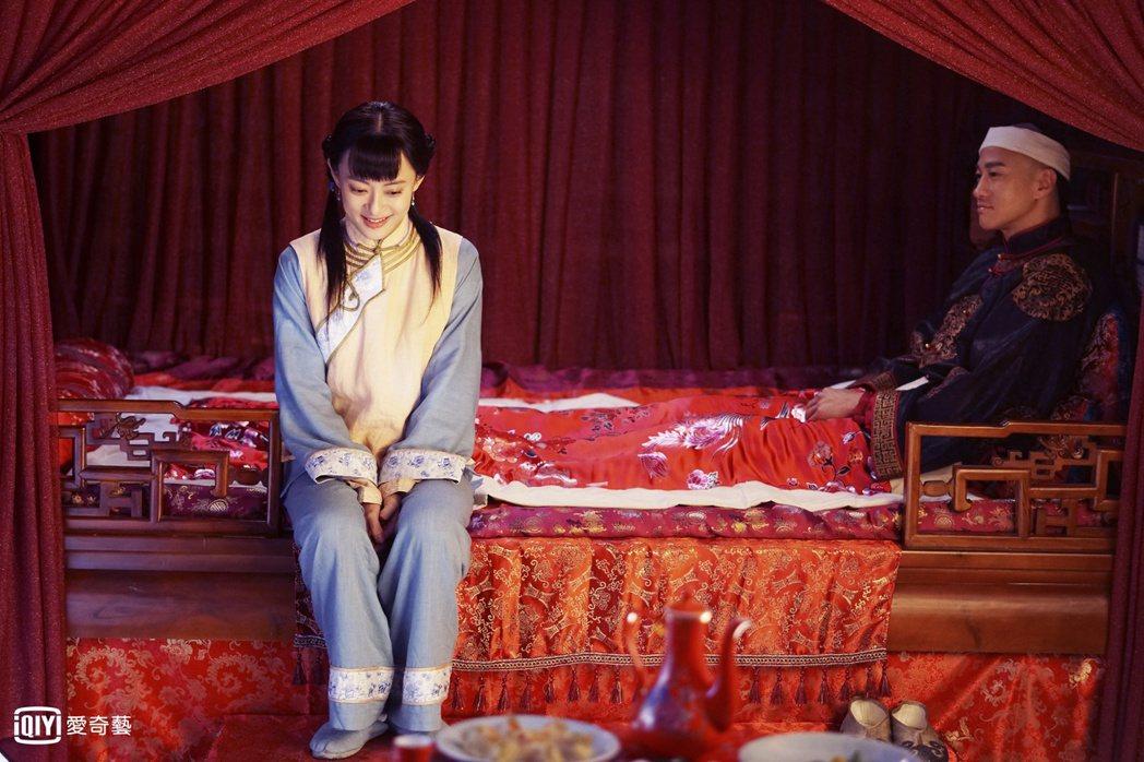 孫儷(左)與何潤東戲中有一段情。圖/愛奇藝台灣站提供