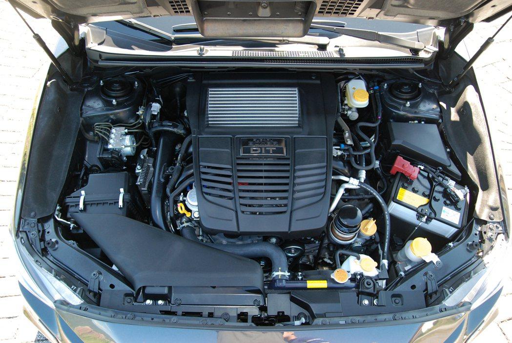 這具 FA20 的 2.0 升水平對臥四缸直噴渦輪引擎最大馬力為 268 匹/35.7 公斤米。 記者林鼎智/攝影