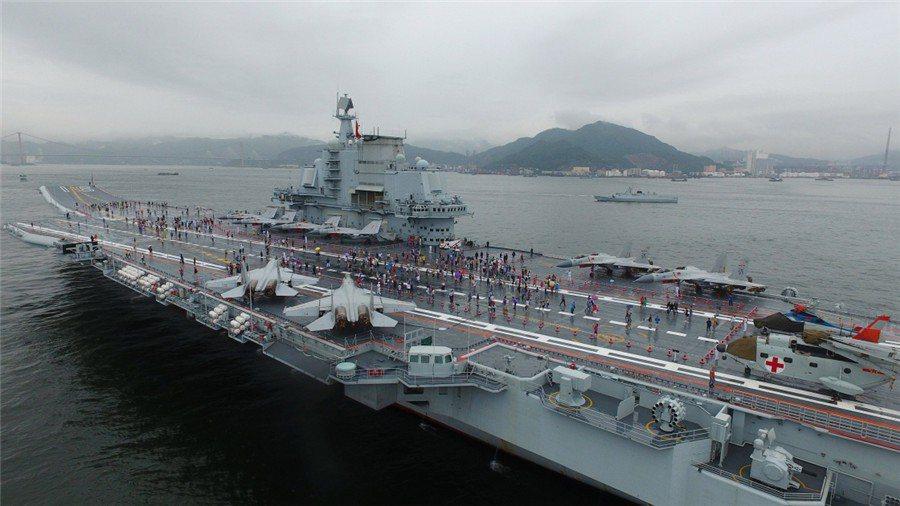 遼寧艦在香港開放民眾參觀。 圖/大陸國防部官網