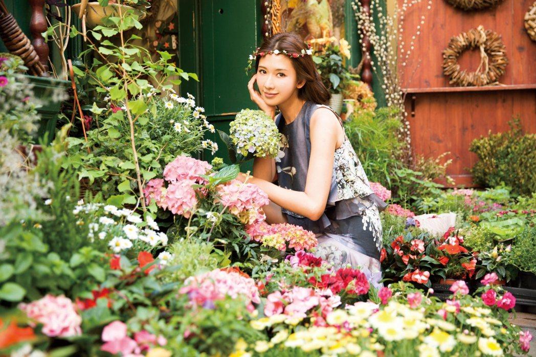 林志玲最新年曆即將開始預購。圖/志玲姊姊慈善基金會提供