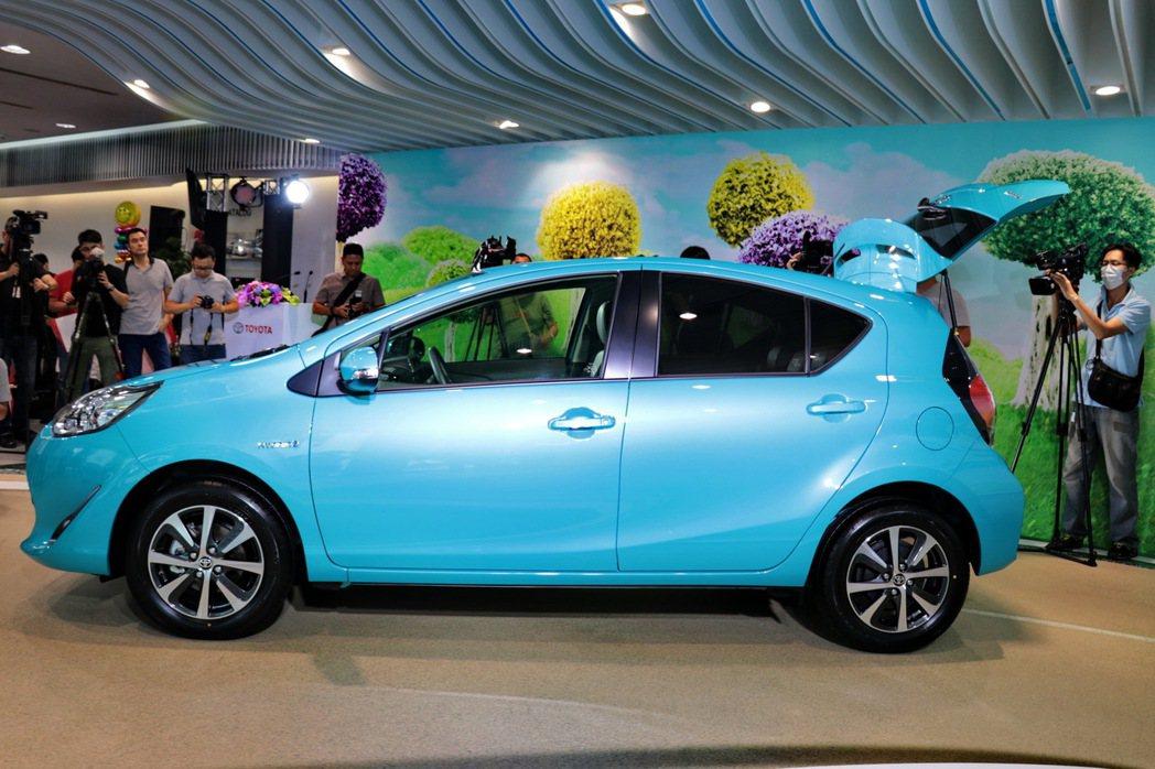 Prius c擁有青春洋溢的小巧車身。 記者陳威任/攝影