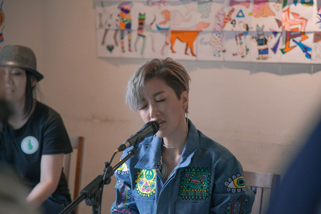 A-Lin為流浪動物開唱。圖/索尼提供