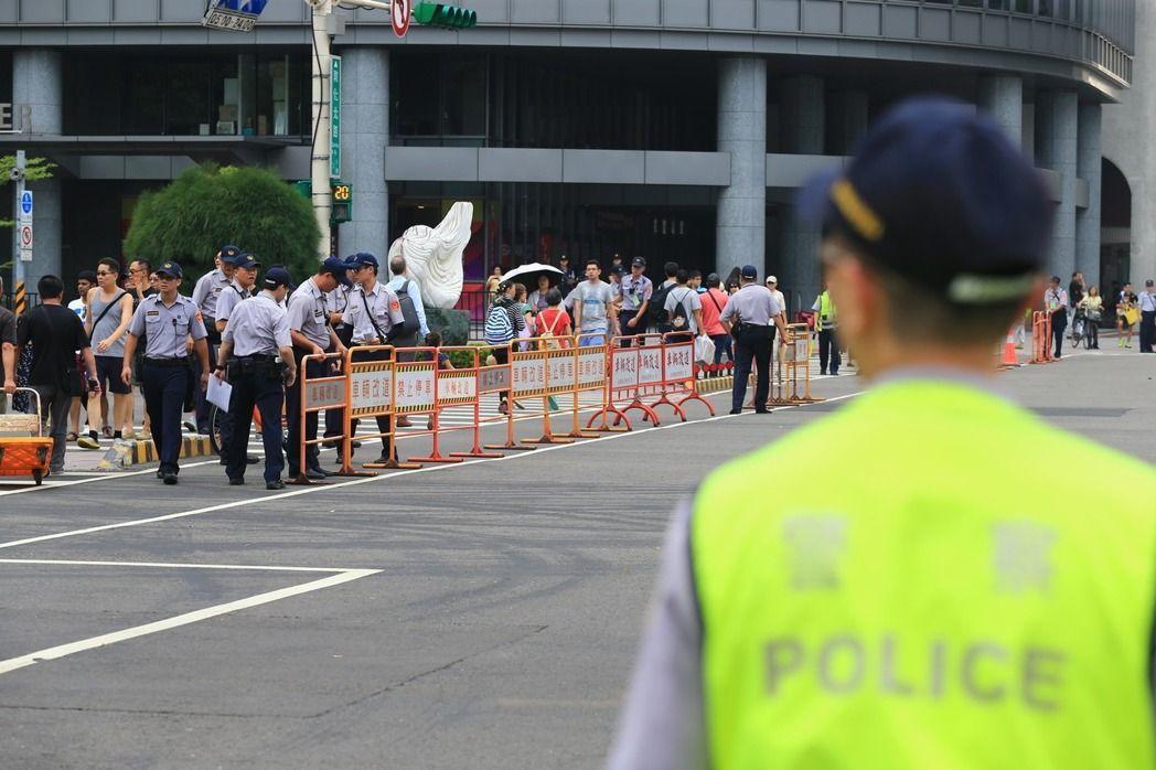 世大運風光落幕,警方卻成最大苦主。 記者林伯東/攝影