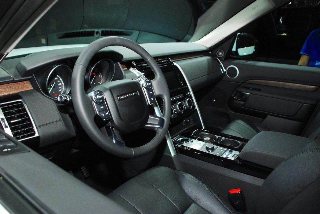 全新Land Rover Discovery內裝。記者林昱丞/攝影