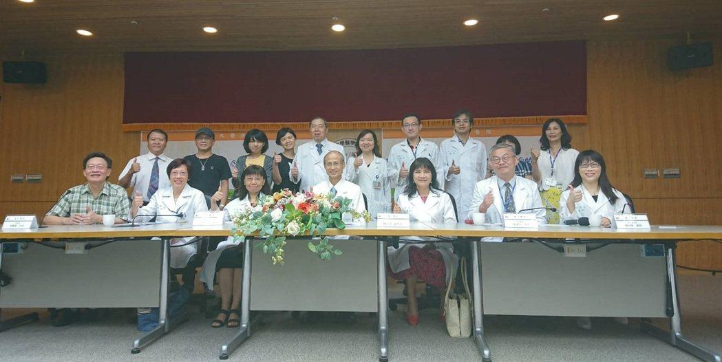 台大醫院今日宣布,9月起將為需要的病友開雷帕黴素(rapamycin)外用軟膏。...