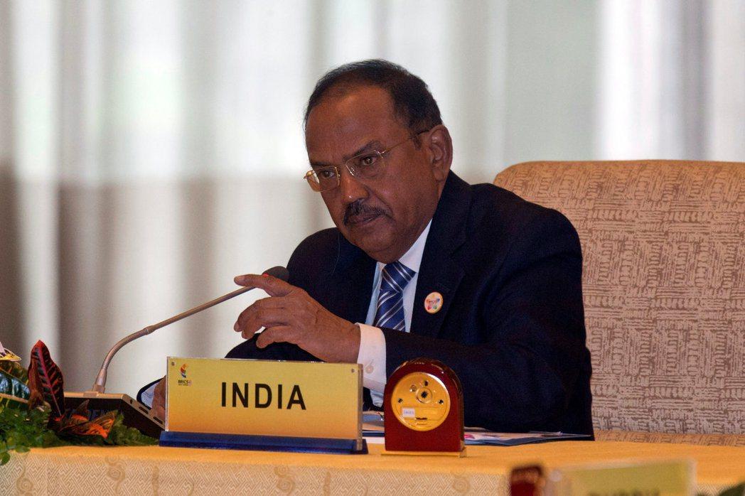印度國安顧問多瓦爾曾在巴基斯坦臥底7年,7月底赴北京出席金磚國國安顧問會議。 路...