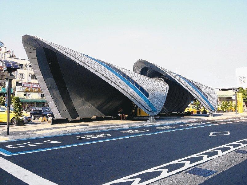 Novelis氧化鋁合金及KME建築銅可創造出獨特的建築風格,完美詮釋出建築美感...
