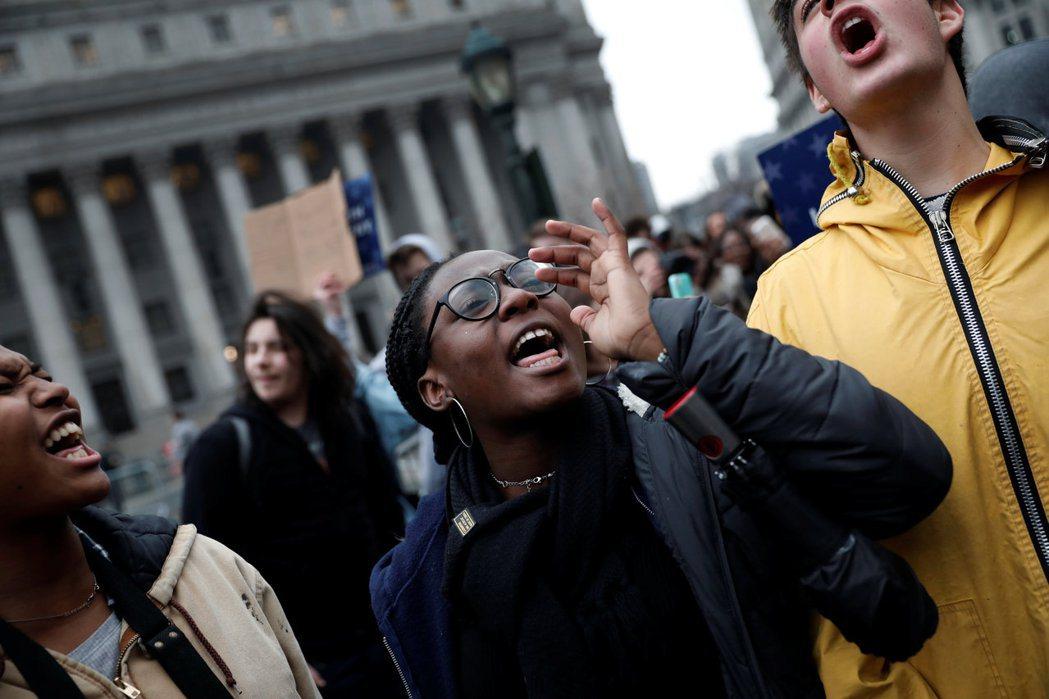 只要美國人未能擁抱和接受自己仇恨的過去,如同它們擁抱和接受美國獨立宣言中人人生而...