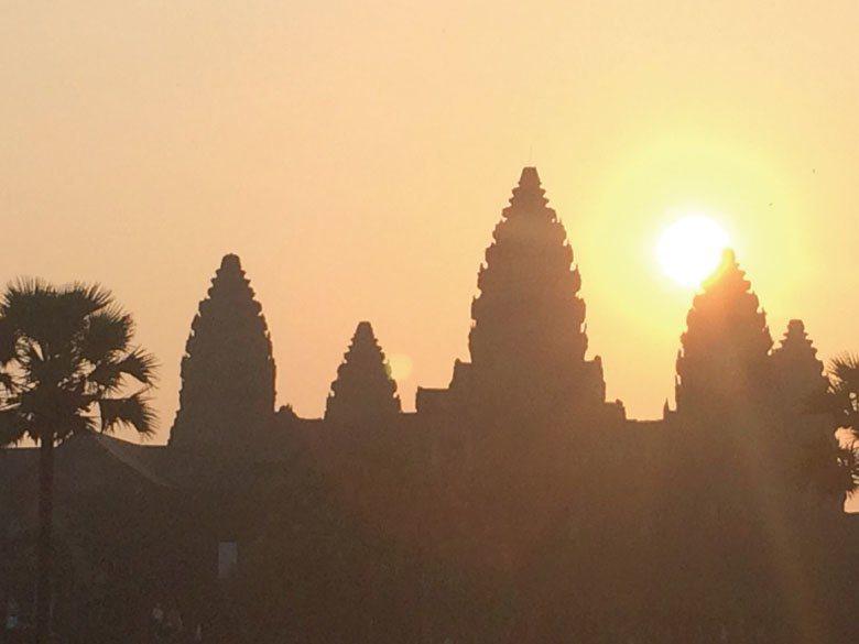 柬埔寨在進入中低收入國家序列,同時也代表可能要放棄低度發展國家所能得到的特權。 ...