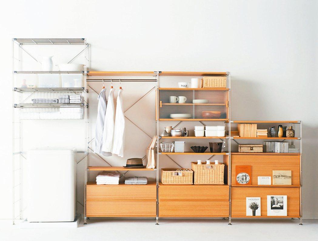 把洗衣機、衣櫥和碗櫃組合在一起的層架,讓小坪數變大空間。 MUJI無印良品/提供