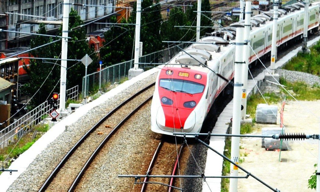 台鐵列車 本報資料照片/記者羅紹平攝影