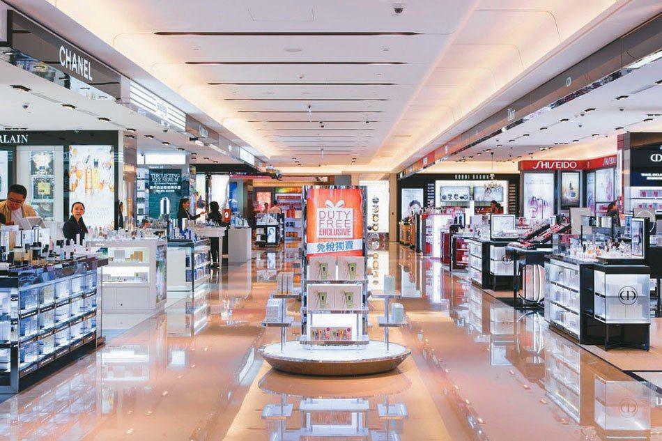 機場免稅店營業額高,多家業者躍躍欲試,預期競爭將相當激烈。 昇恆昌免稅店/提供