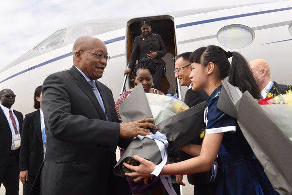 南非總統祖馬抵達廈門,參加金磚國家領袖峰會。 (新華網)