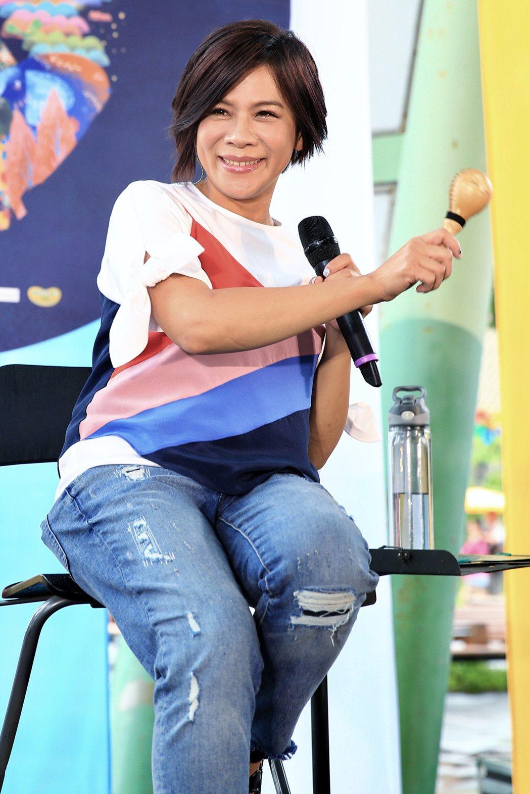 江美琪將於9/15發行全新專輯《親愛的世界》,下午在花博舉辦「彩色動物園」直播音...