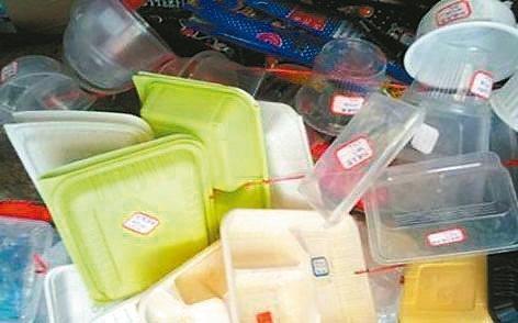 大陸外賣餐盒造成嚴重的資源浪費和環境汙染。 (取自網路)