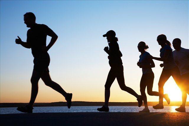 適當運動,能預防血栓及中風。 圖/取自網路