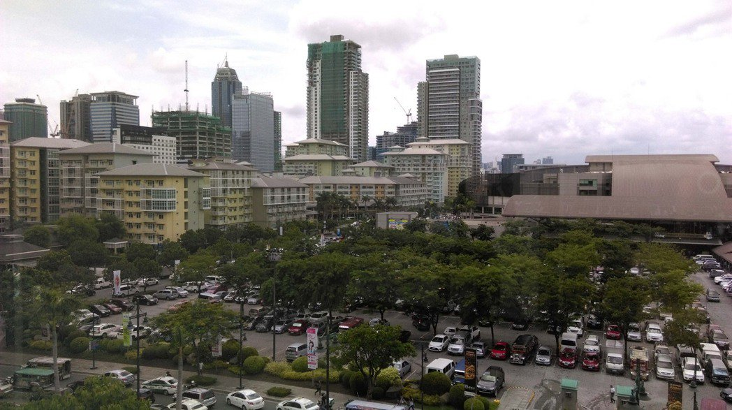 馬尼拉地區塔古市的波尼法西奧地球城。 中央社