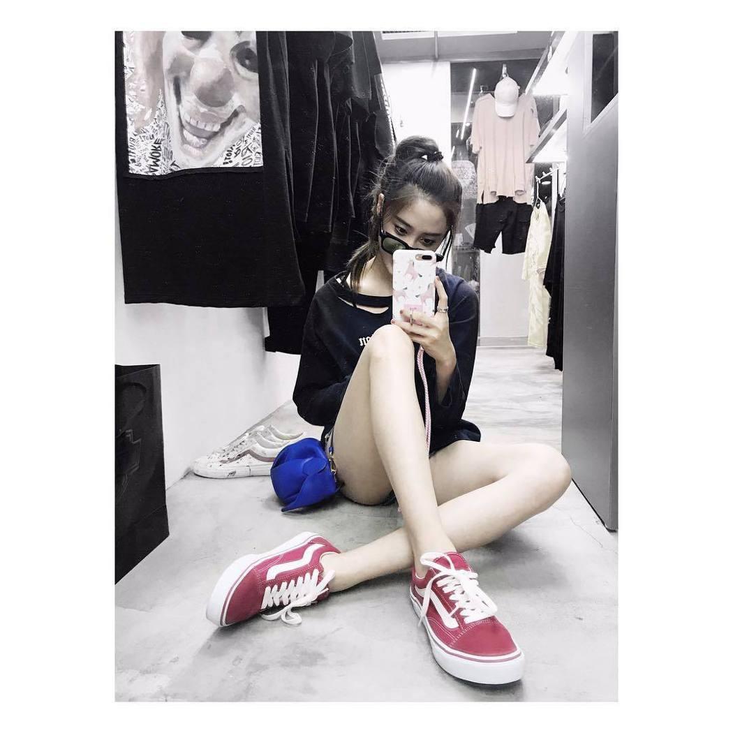 歐陽妮妮最近瘦身有成。 圖/擷自IG。