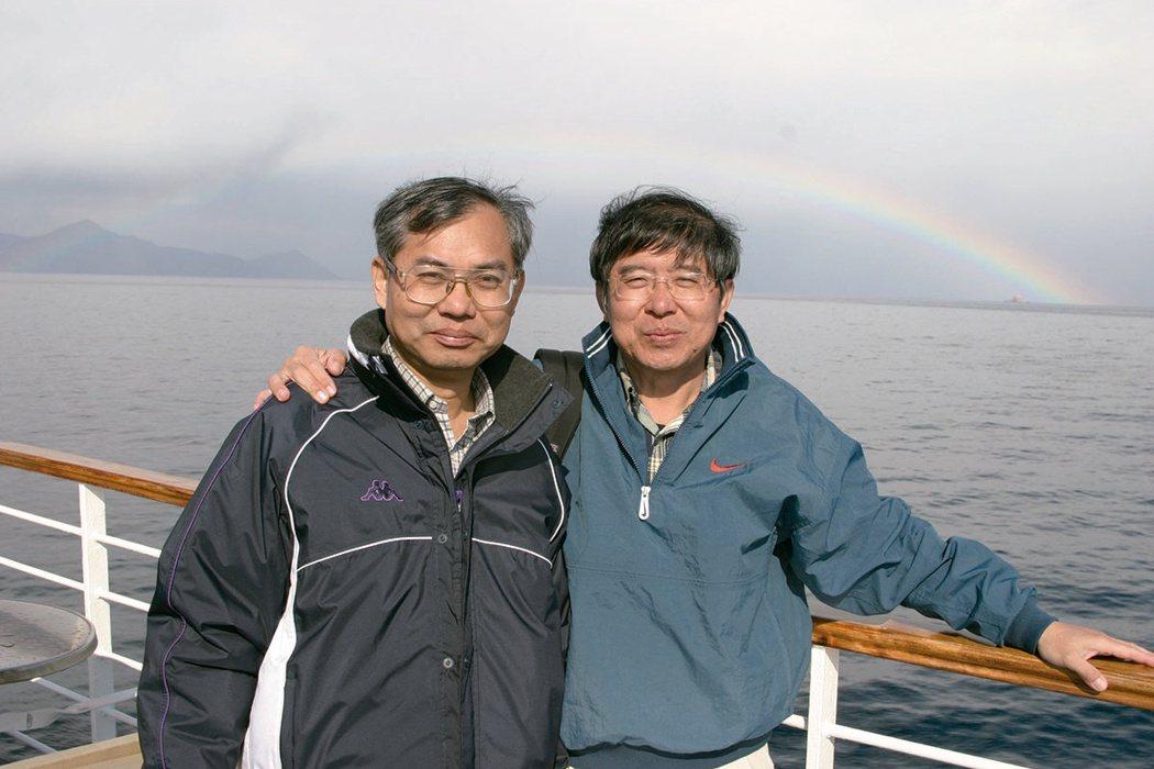 李伯璋(右)視哥哥李伯皇為醫學路上的導師。