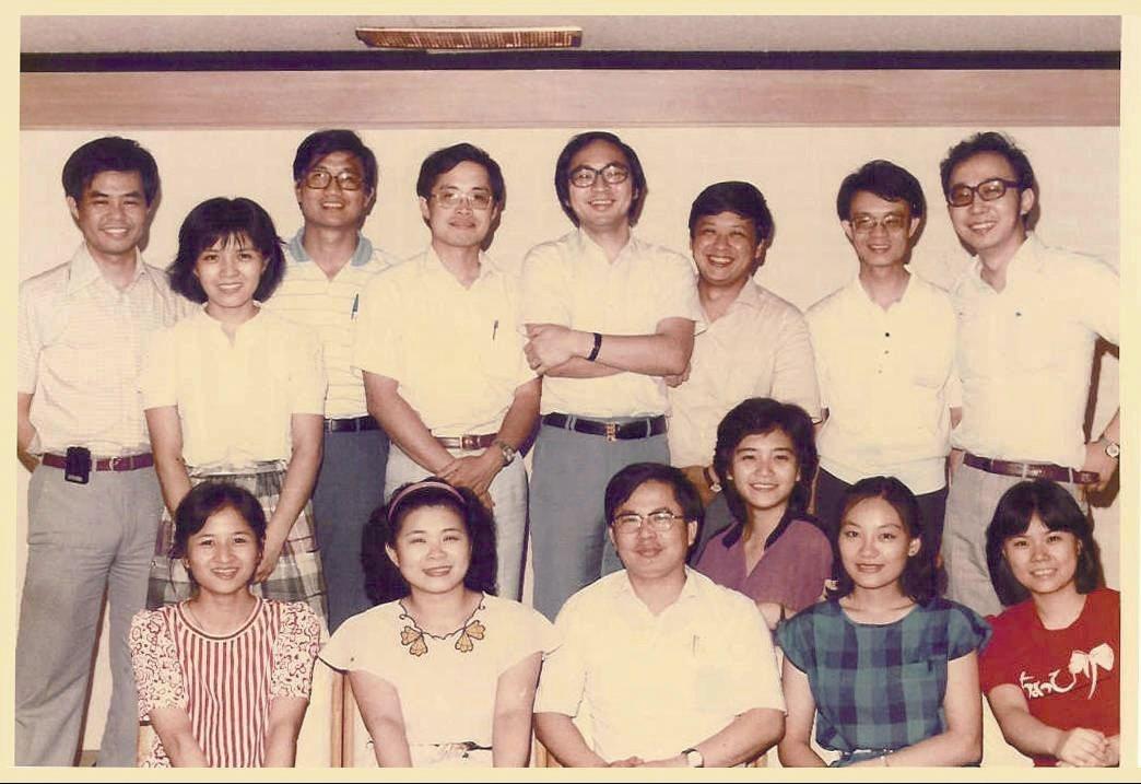 70年代台大醫院超音波研究團隊,許金川教授(前排左三)、楊培銘教授(後排右四)。