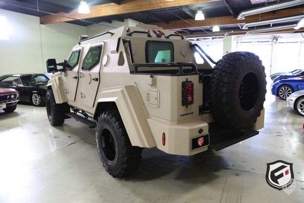 Terradyne Gurkha 採用 Level 7 的防彈裝甲,除了可抵禦 ...