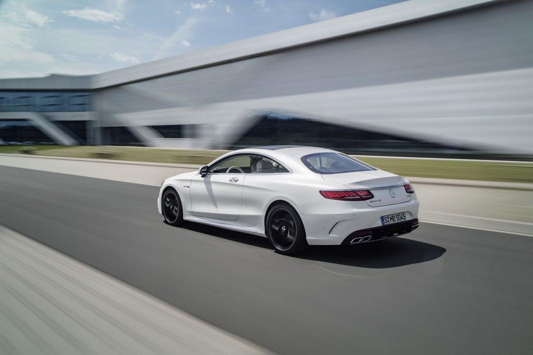 圖為 2018 AMG-S63 Coupe。 摘自 Mercedes-Benz