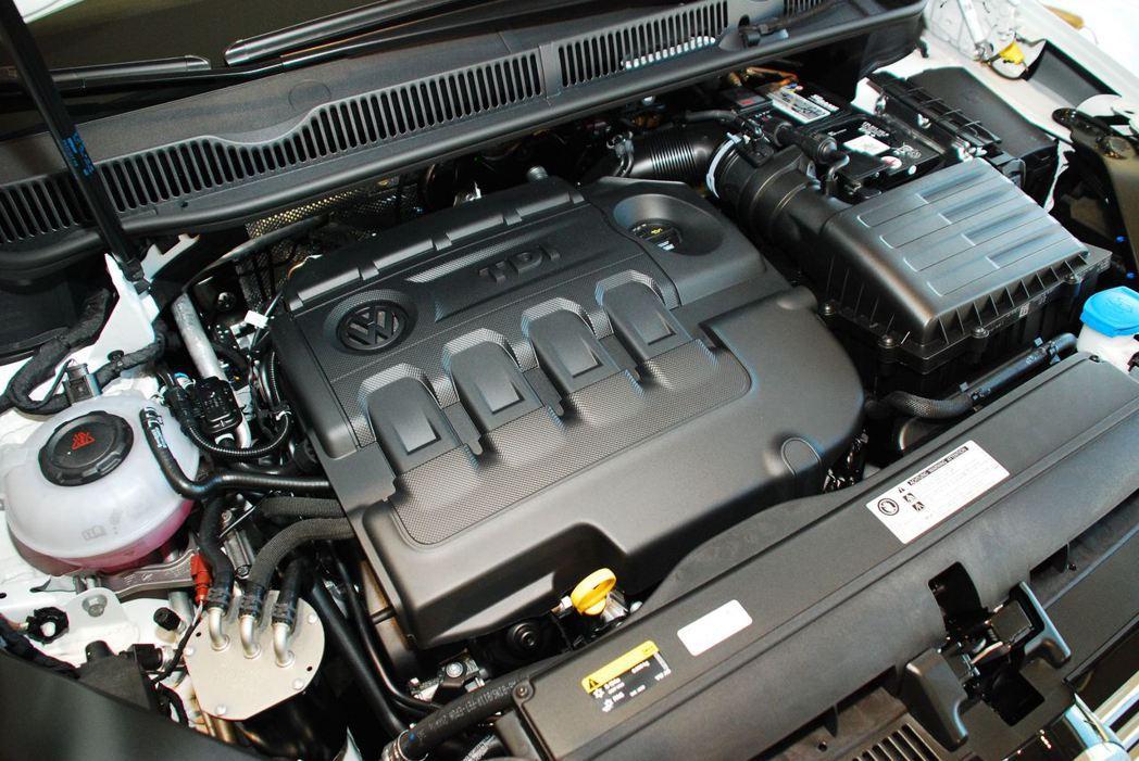 2.0升四缸高壓柴油共軌直噴引擎。記者林昱丞/攝影