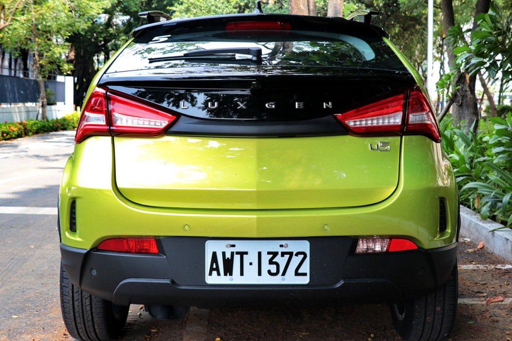 車尾除了有層次感外,也有點類似VOLVO V40的造型。 記者陳威任/攝影