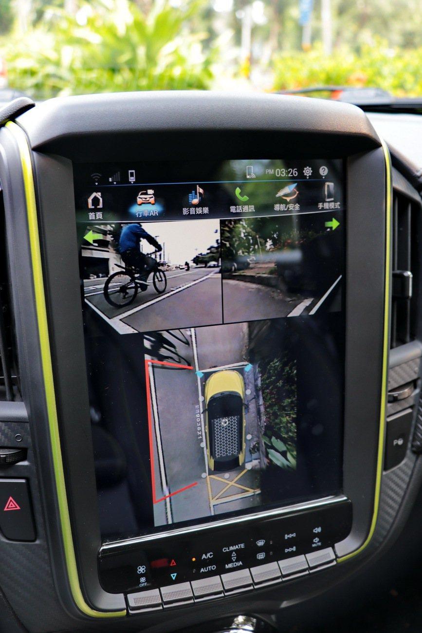 U5強大的電子配備,更有助於輔助駕駛人行車。 記者陳威任/攝影