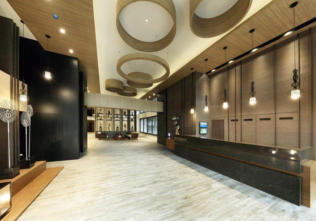 大廳挑高6米,相當氣派。 圖片提供/華友聯開發