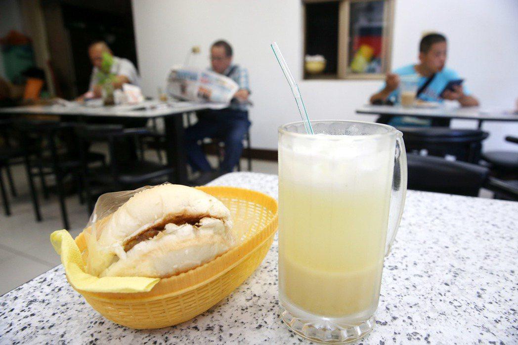 連鎖早餐店餐點同質性太高。記者邱德祥/攝影