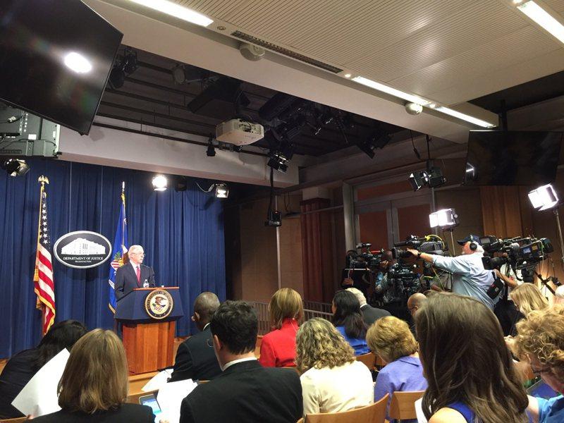 司法部部長塞辛斯(Jeff Sessions)今天上午11時舉行記者會。(記者許...