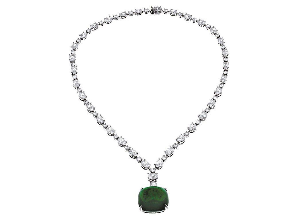上千萬元的貴婦刷手,幾乎清一色都是買頂級珠寶和鐘表,圖為售價9834萬元的寶格麗...