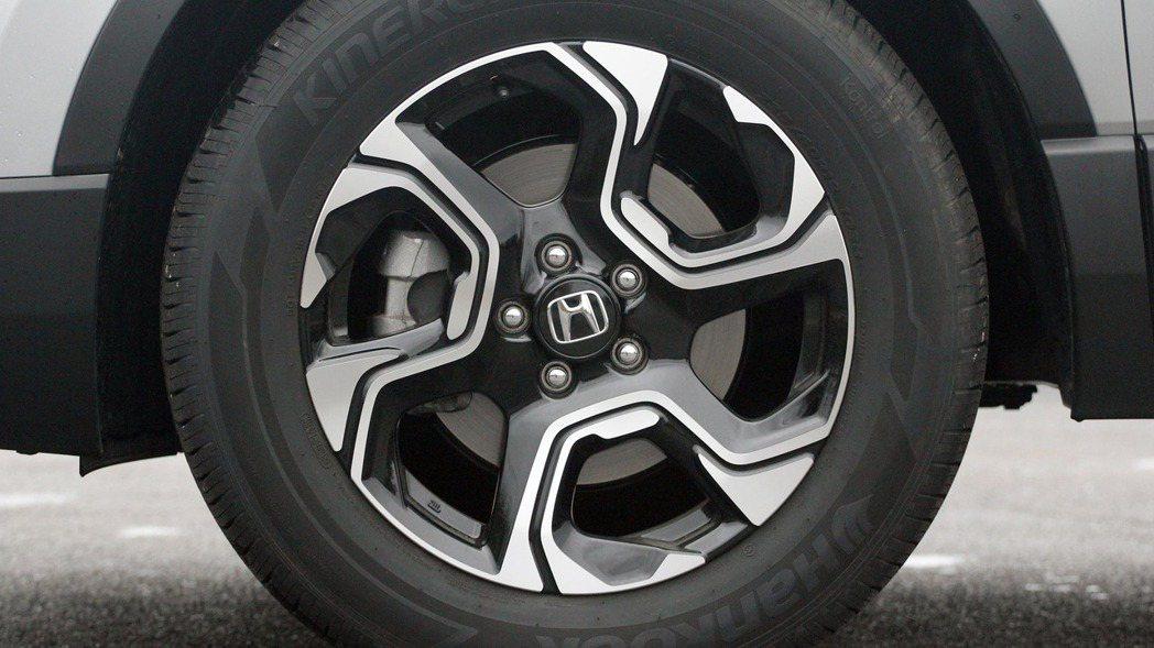 Honda CR-V 鋁圈樣式。 摘自Honda