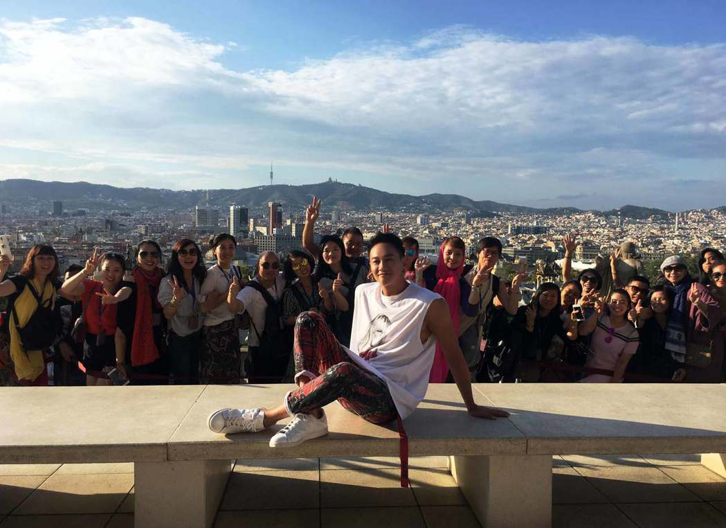 何潤東目前在西班牙拍戲 。圖/達騰娛樂提供