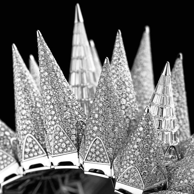 Diamond Outrage高級珠寶腕表全鑽款雪花鑲嵌與梯鑽鑲嵌立體卯丁細節。...