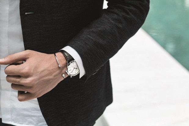 正式場合以腕表配戴珠寶極為得體。Altiplano超薄腕表,40毫米18K白金表...