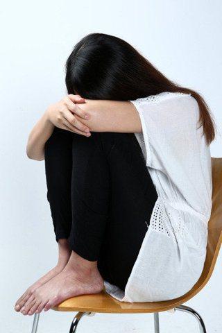 專家指出,青少年自殺前多有跡可循,家長應特別留意。圖/報系資料照
