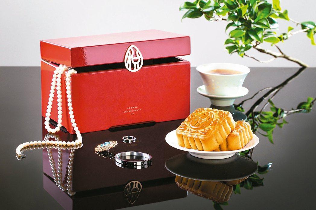 桂悅,每盒四入,售價1,680元,販售至10月4日。 圖/各業者提供