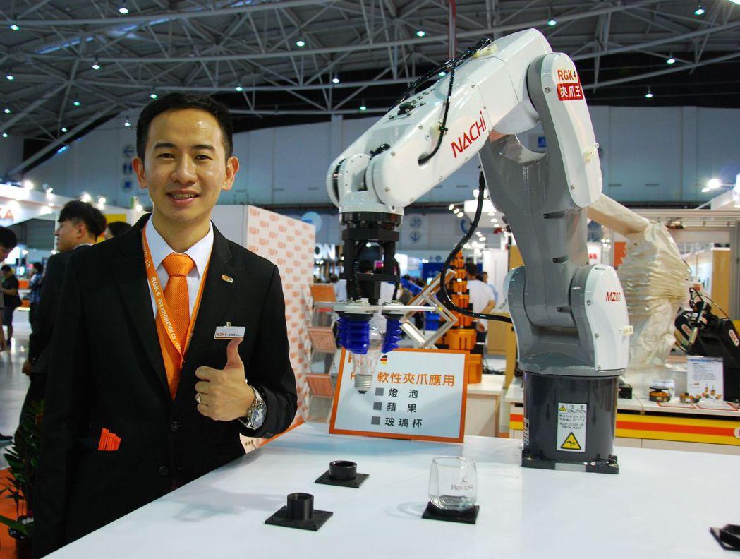 兆和豐總經理張錦濱表示,公司預計5年內IPO,明年業績將有機會大爆發。(一旁的機...