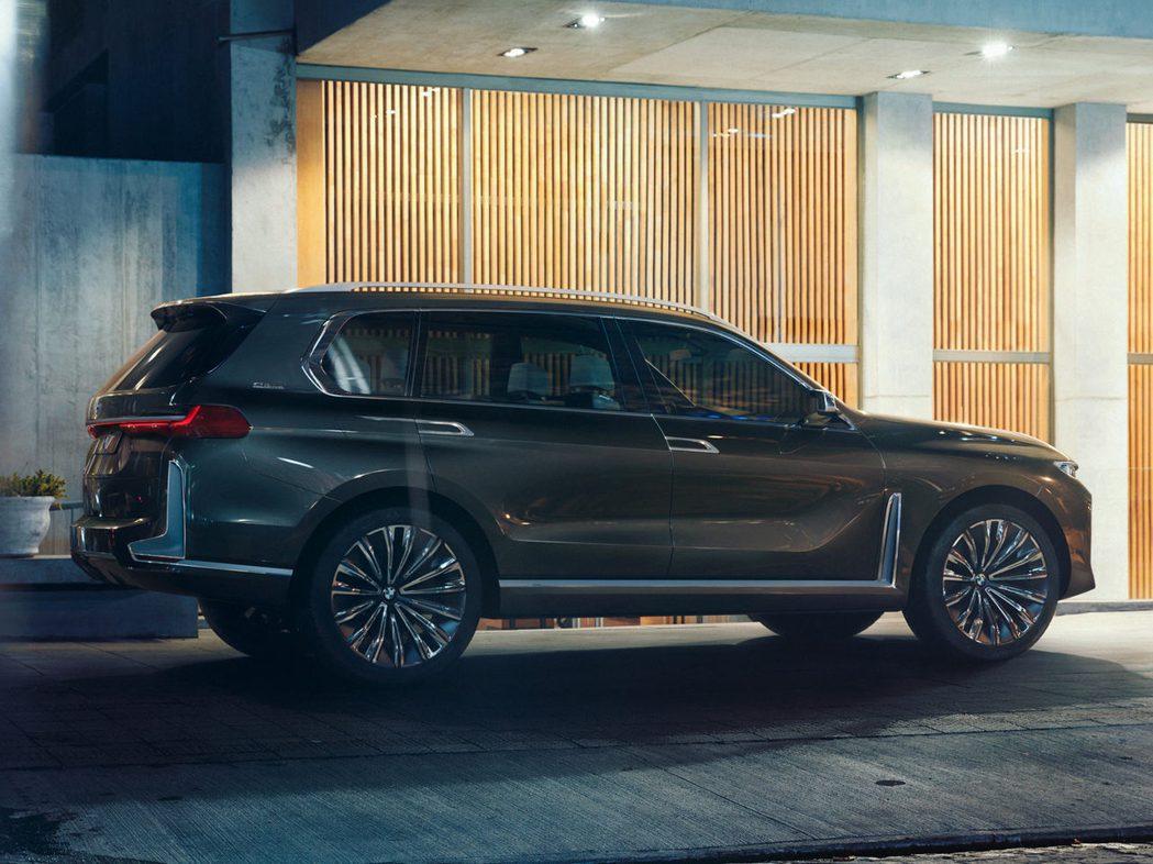 BMW X7 Concept車側。 摘自Bimmerpost