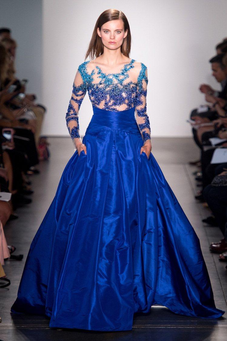 具有時代感的禮服設計是Pamella Roland的拿手好戲,亦是2018年春夏...