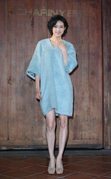 服裝設計師葉珈玲舉辦CHARINYEH秋冬服裝秀,賴雅妍與連俞涵一同出席站台